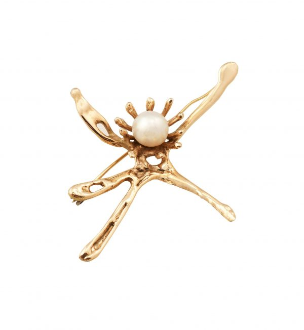 18k gold pin with pearl setting